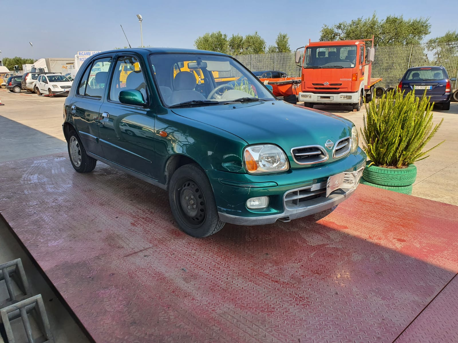 Read more about the article Nissan Micra con cambio automatico disponibile nel nostro autoparco di demolizione per la vendita dei ricambi usati